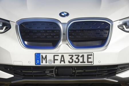 BMW iX3 frontal