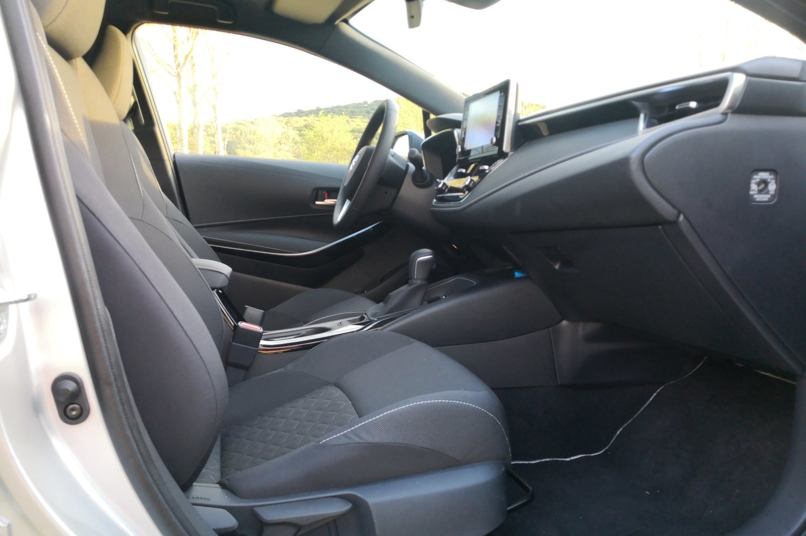 Foto de Toyota Corolla 125H - Imágenes del interior (7/14)