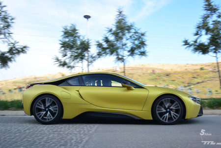 Bmw I8 Protonic Frozen Yellow 6