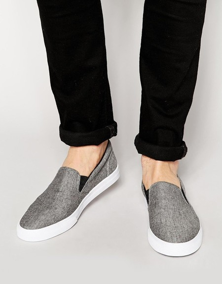 Zapatillas tipo slip-on en gris