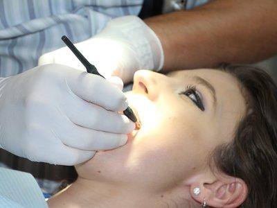 Por qué no te ponen anestesia general en el dentista: diferentes tipos de anestesia y cuándo se usa cada una