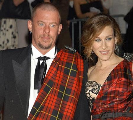 Alexander McQueen, uno de los grandes de la moda, es hallado muerto
