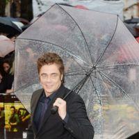 Benicio del Toro se viste de negro para estrenar Sicario en Londres