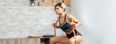 Nueve formas de dar más intensidad a tus sentadillas si estás entrenando en casa