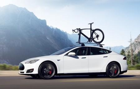 Semana de novedades para el Tesla Model III: traerá tracción integral, una versión crossover y, ¿más autonomía?