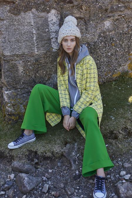 Coat Gbp35 Eur40 Raincoat Gbp12 Eur15 Trousers Gbp13 Eur16 Shoes Gbp8 Eur10 Hat Gbp5