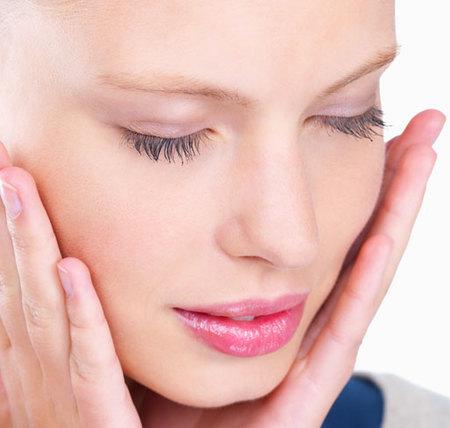 gesto diario de limpieza facial