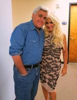 Y Christina Aguilera apareció en Jay Leno guapísima a la par que simpática