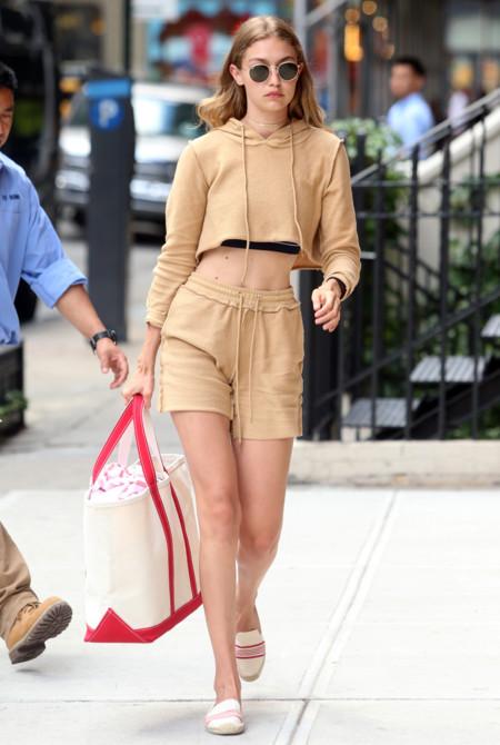 Kendall Jenner Gigi Hadid Look Nude 2016 3