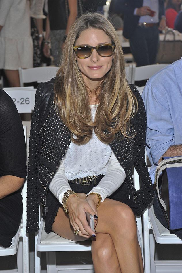 Olivia con gafas