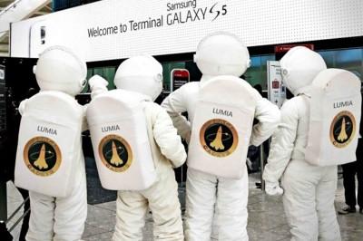 Los Lumianautas llegan a la terminal Galaxy S5. Imagen de la semana