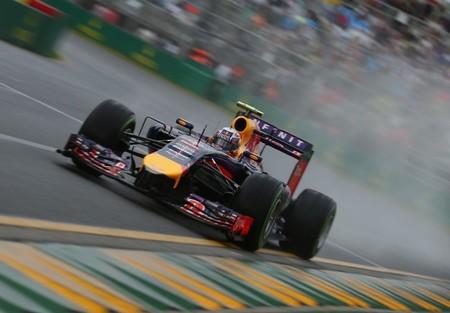 De nuevo los problemas de software golpean a Sebastian Vettel