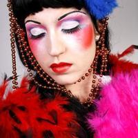 Remedios fáciles si te has pasado con el maquillaje