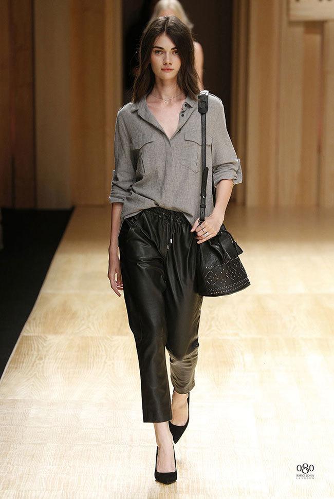 Foto de Mango abre la 080 Barcelona Fashion con su colección Otoño-Invierno 2014 y Toni Garrn (16/41)