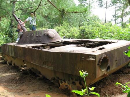 Tanque ruso en Laos
