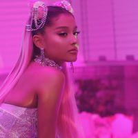 """Ariana Grande se tatúa por error la palabra """"barbacoa"""" en japonés en vez del título de su último single"""