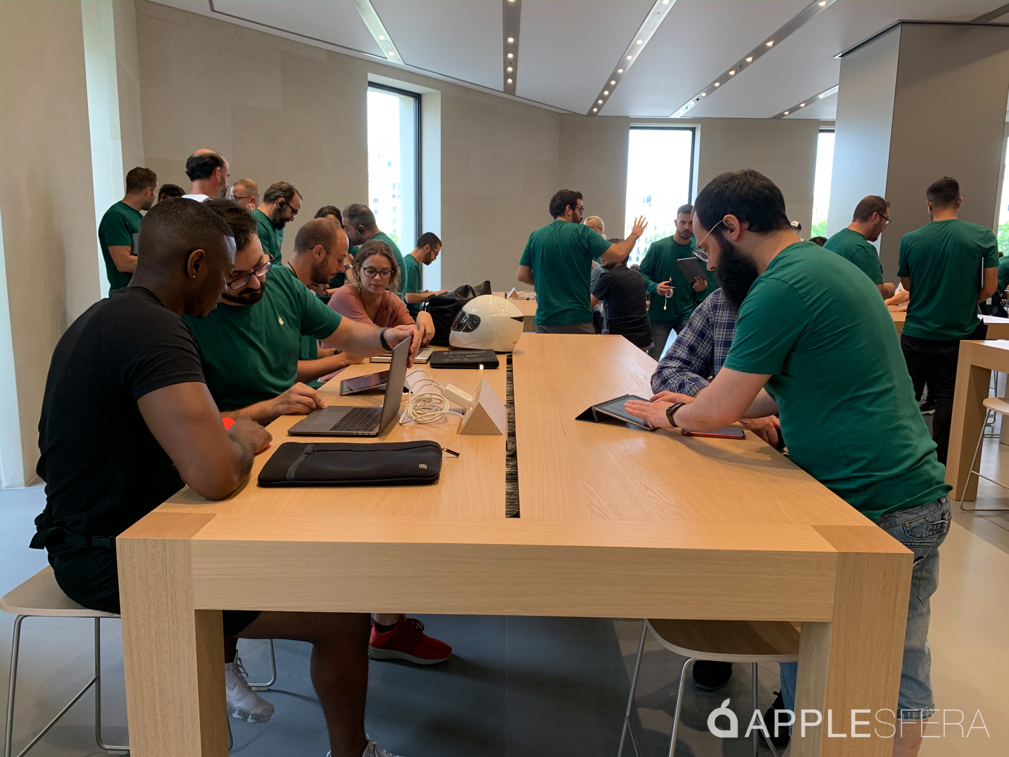 Foto de Apple Store Passeig de Gràcia (24/28)