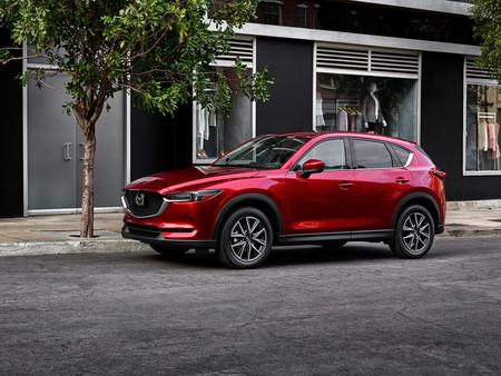 El Mazda CX-5 se renueva suavemente y estrena el último tono pasional de la saga KODO