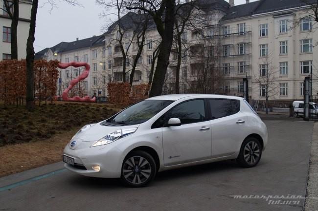 Nissan LEAF 2013 presentación en Oslo 02