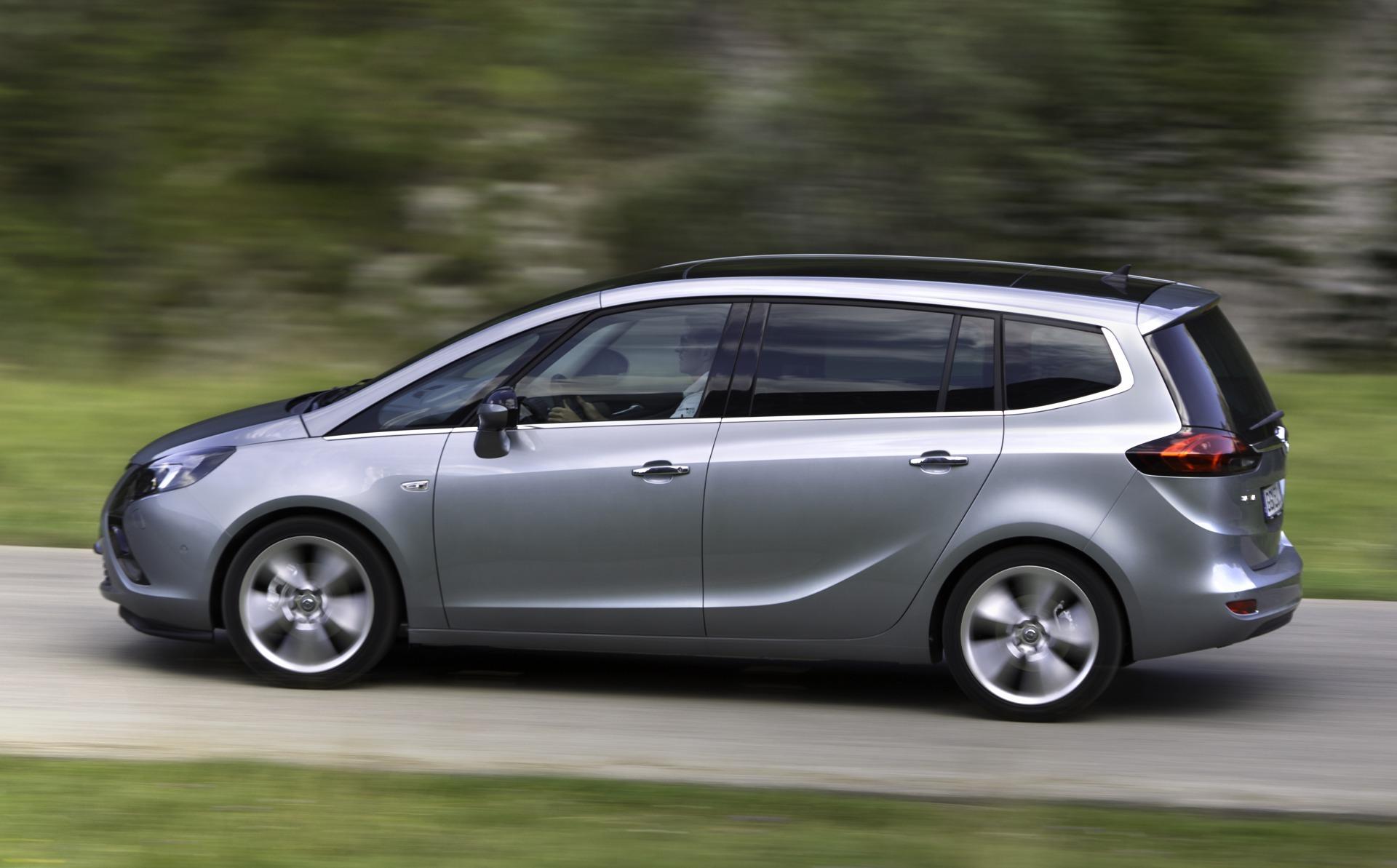 Foto de Opel Zafira Tourer (16/23)