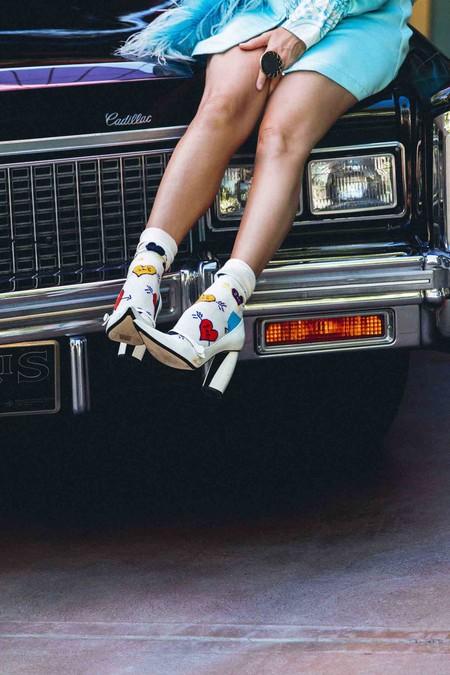Creas o no en el amor, este San Valentín 2020 vas a querer celebrarlo para llevar la nueva colección de Linda Ramone x Happy Socks