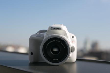 Sólo una sin espejo entre la lista de las diez cámaras (de lente intercambiable) más vendidas en la última década en Japón