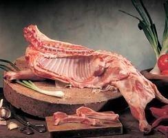 Sobre la carne de cordero