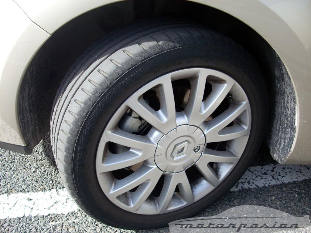 Foto de Renault Clio 2.0 16v (7/28)