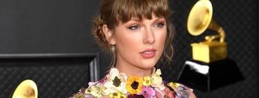 Taylor Swift da el toque primaveral a la alfombra roja de los Premios Grammy 2021 con un florado vestido de Oscar de la Renta