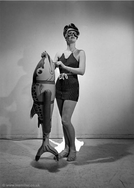 Web Lm Bathing Feature Vogue Studio London England 1941 Vn 3710 11 153233359571 500