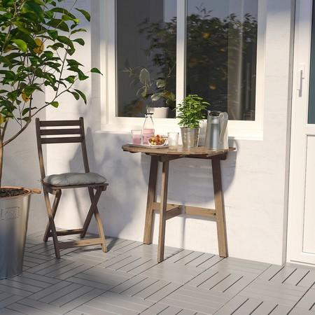 Silla y mesa para terrazas pequeñas