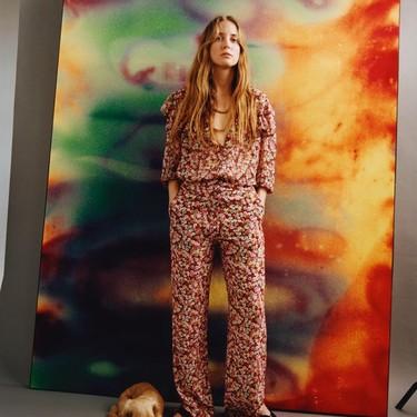 Mango da alas al romanticismo y a la feminidad en clave bohemia con estas 21 prendas de estampado floral