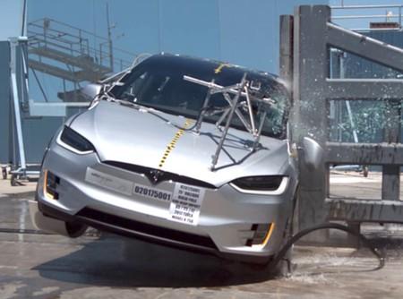 En video: No hay SUV más seguro que el Tesla Model X, y sus pruebas de choque lo avalan