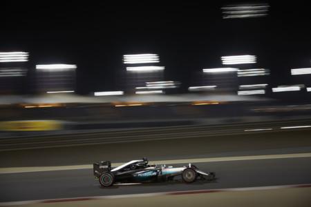 Hamilton aparece a la hora de la verdad y se adjudica una nueva pole en Baréin