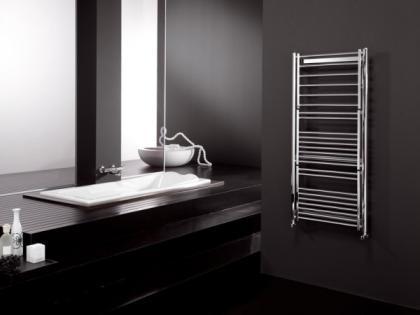 Radiador multifunción para el baño, con secador y tendedero