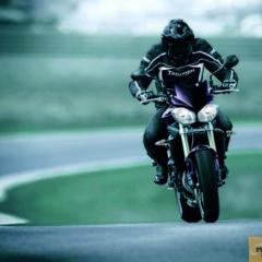 Foto 2 de 7 de la galería triumph-street-triple-2012-la-renovacion-logica en Motorpasion Moto