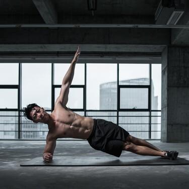 Cinco tipos de planchas para trabajar tu core: planchas laterales, abdominales verticales de pierna y más