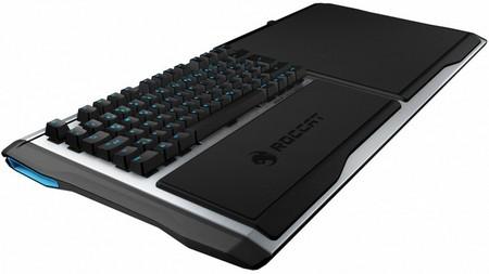 Roccat Sova, una platafroma para llevar el teclado y ratón al sofá