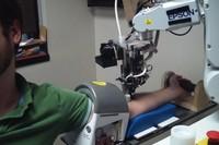 [Vídeo] El robot que te saca sangre
