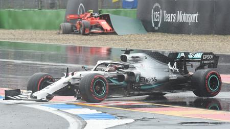 """Charles Leclerc y Lewis Hamilton claman contra la escapatoria que quebró el GP de Alemania: """"Era como hielo"""""""
