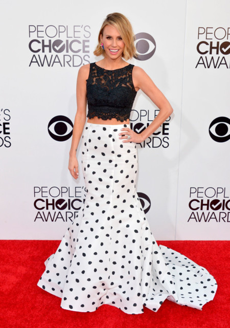 Peoples Choice Awards 2014 tendencias en vestidos de fiesta Keltie Knight falda topos blanco y negro