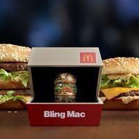 McDonald's fabrica un anillo de oro de 18 quilates, con forma de Big Mac, y lo regala por San Valentín