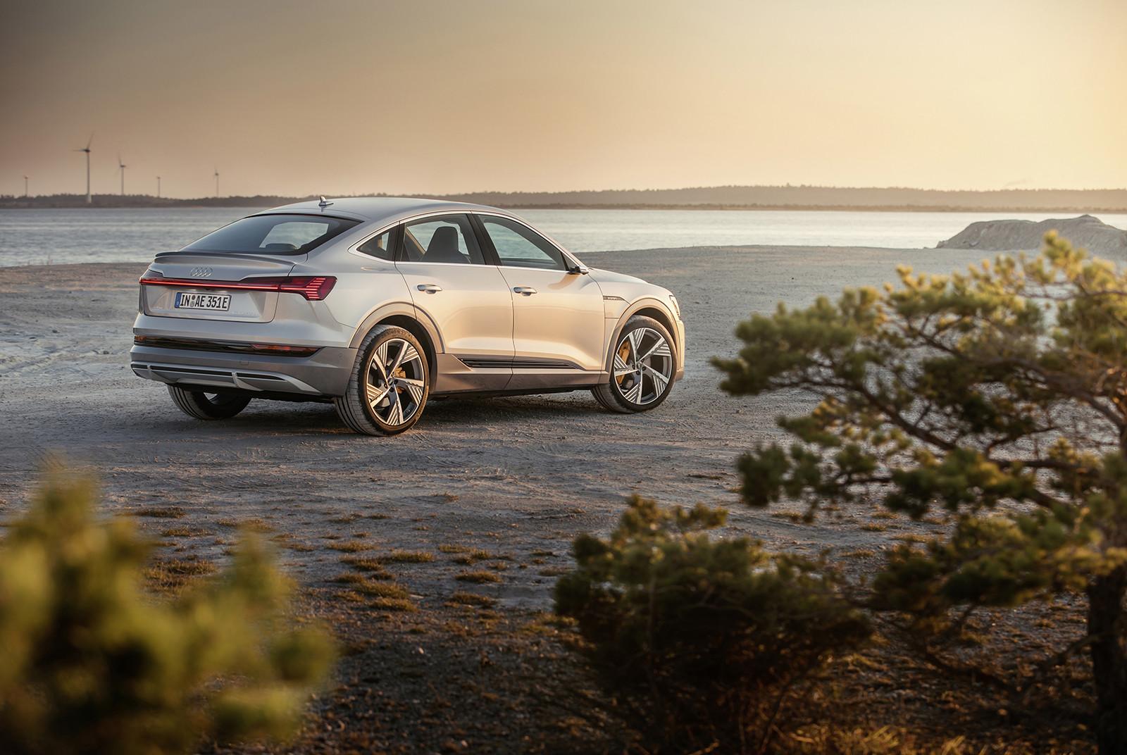 Foto de Audi e-tron Sportback (35/57)