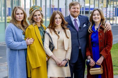 Alexia de Holanda hereda el estilo de su madre Máxima con un look muy sofisticado y sandalias de Zara en el Día del Rey