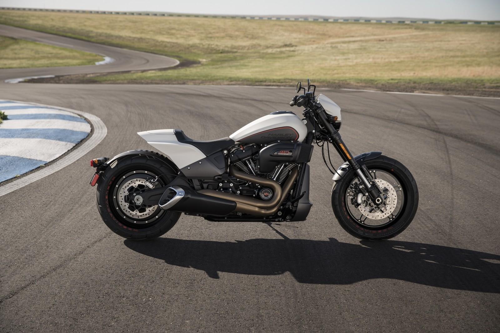 Foto de Harley-Davidson FXDR 114 2019 (5/9)