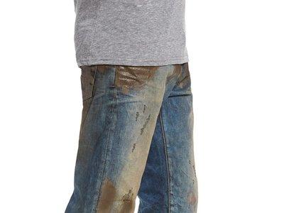 ¿El nuevo ítem viral? Los pantalones 'sucios' de lodo que ahora arrasan en internet