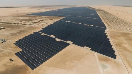 Emiratos Árabes ha construido la mayor planta solar del mundo: 3,2 millones de paneles produciendo 1,17 GW
