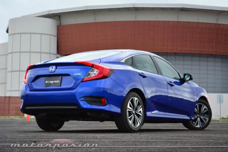 Manejamos el nuevo Honda Civic... y lo peor es que nos gusta