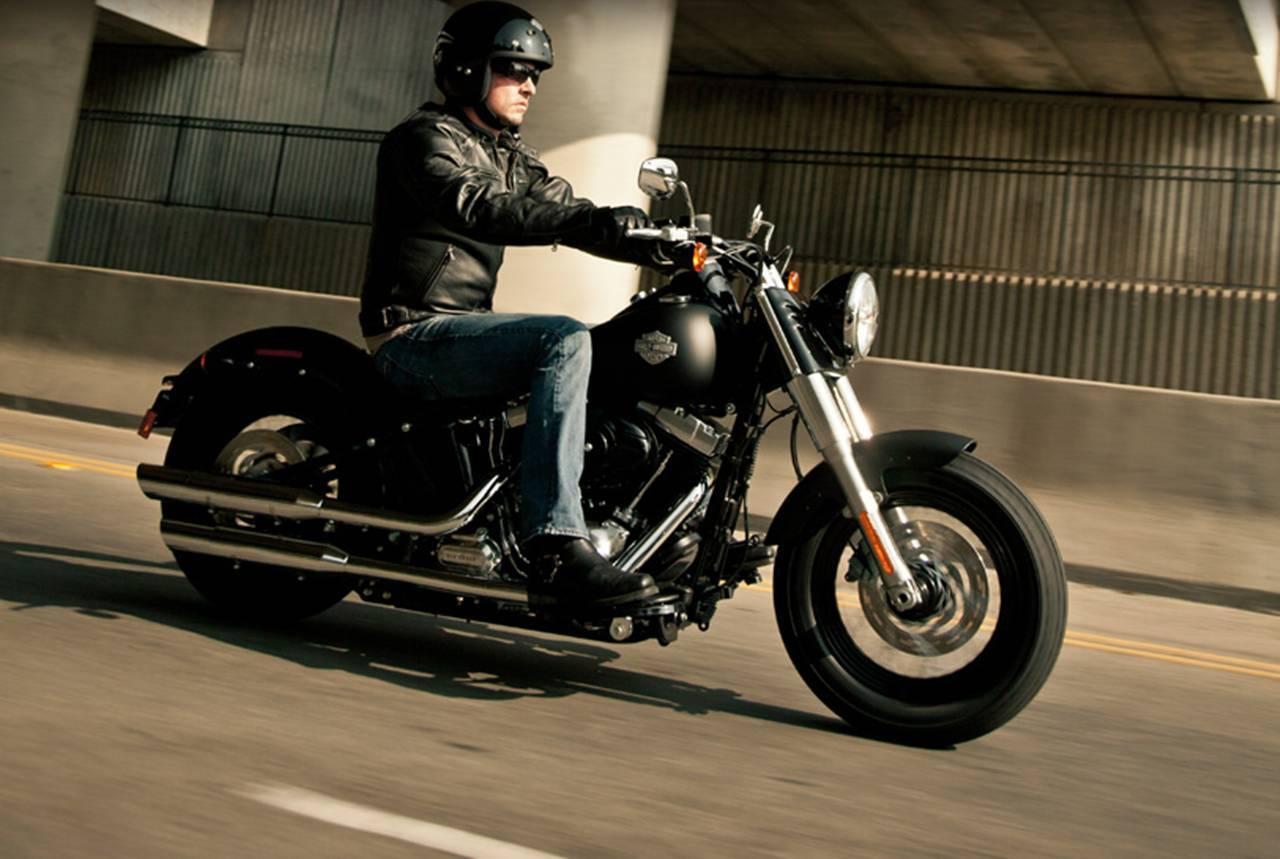 Foto de Harley Davidson FLS Softail Slim (1/9)