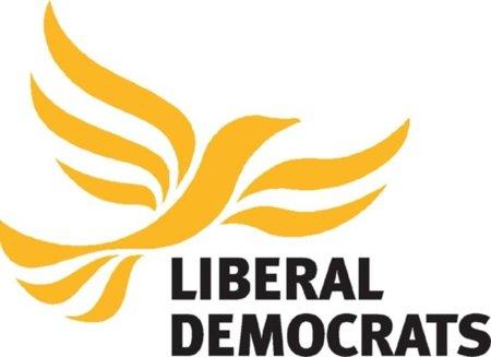 El Partido Liberal británico vota contra la ley antidescargas pactada por laboristas y conservadores